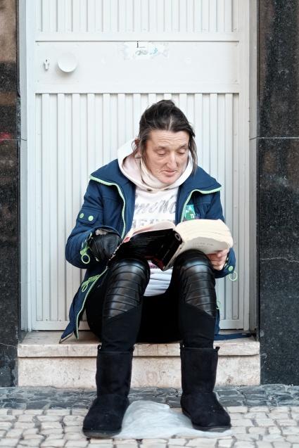 Manuela no seu refúgio - Porto @acordofografico