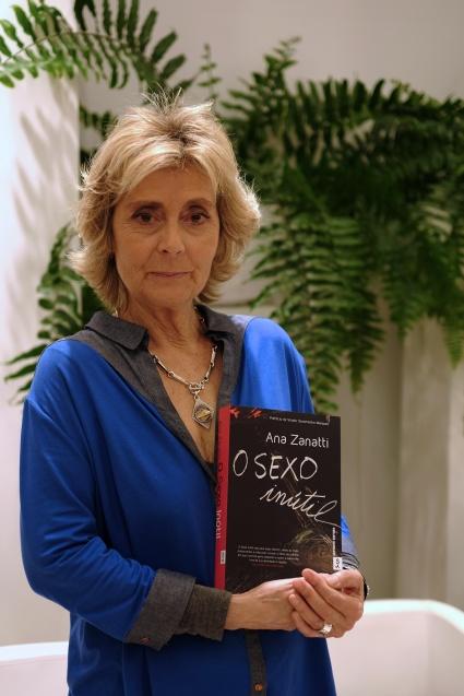 Ana Zanatti O Sexo Inútil Acordo Fotográfico Sandra Barão Nobre